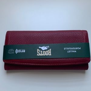NEW Beautiful Roots red leather wallet